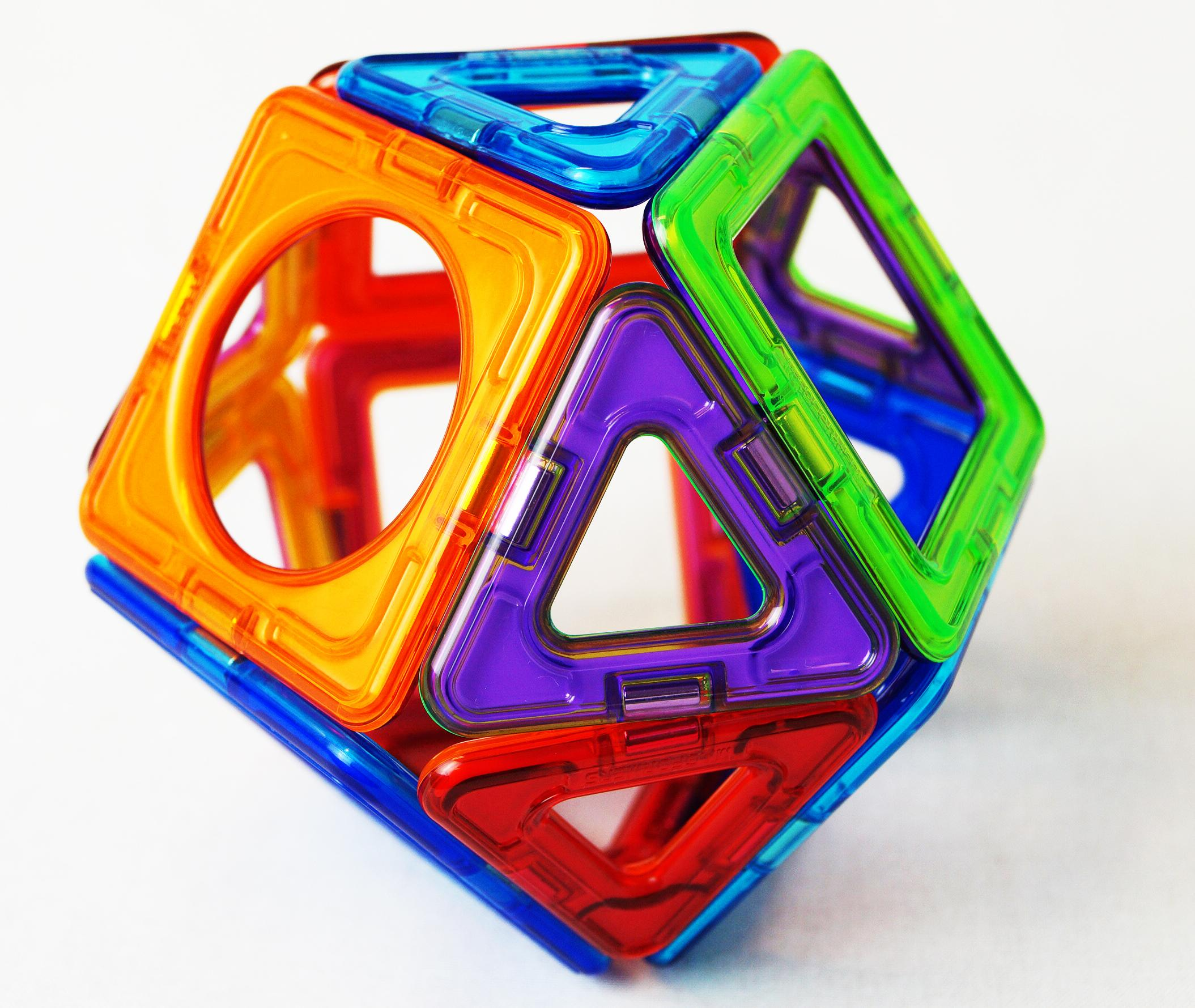3D shape made from Magformer pieces.