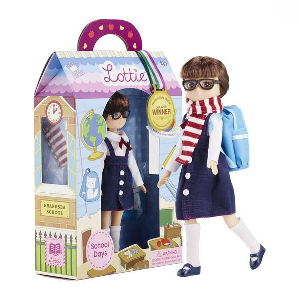 Packaging for Lottis School days  doll.