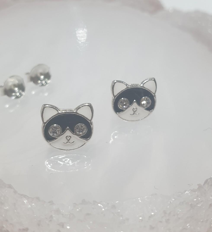 Black and white cat head earrings