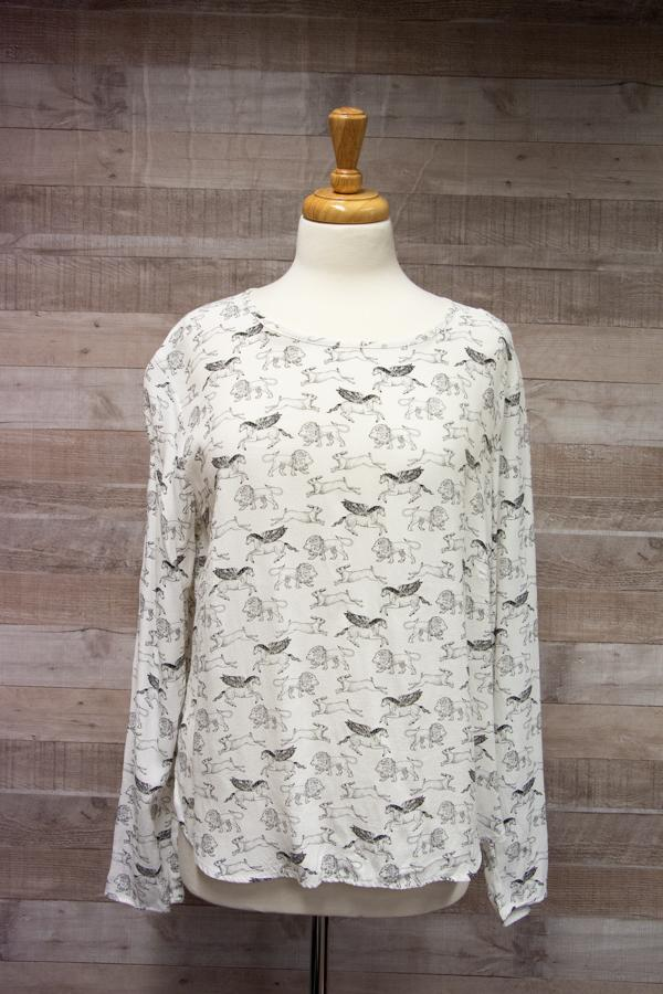 H and M Cream with Animals Design Ladies Long Sleeved Top Size 1402-02-2021 at 14.10.29 4.jpg
