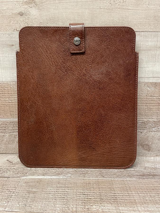 OSPREY  LONDON BROWN LEATHER IPAD SLEEVE26-02-2021 at 13.57.40 2.JPG