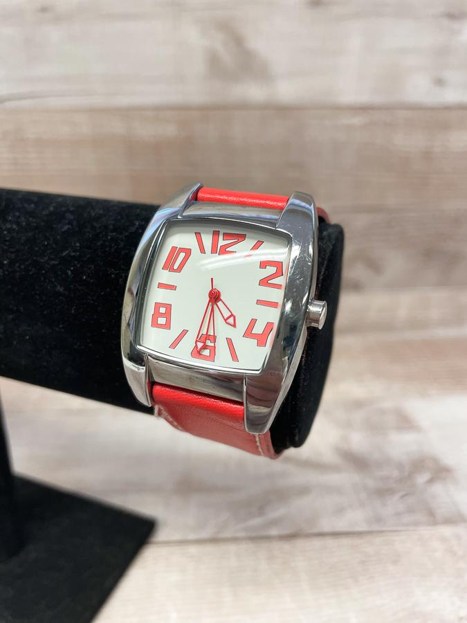 RED STRAP LADIES WATCH WITH SQUARE FACE09-04-2021 at 19.19.39 2.JPG