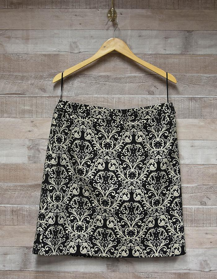 MARKS AND SPENCER COLLECTION GOLD PATTERNED BLACK LADIES SKIRT SIZE 14