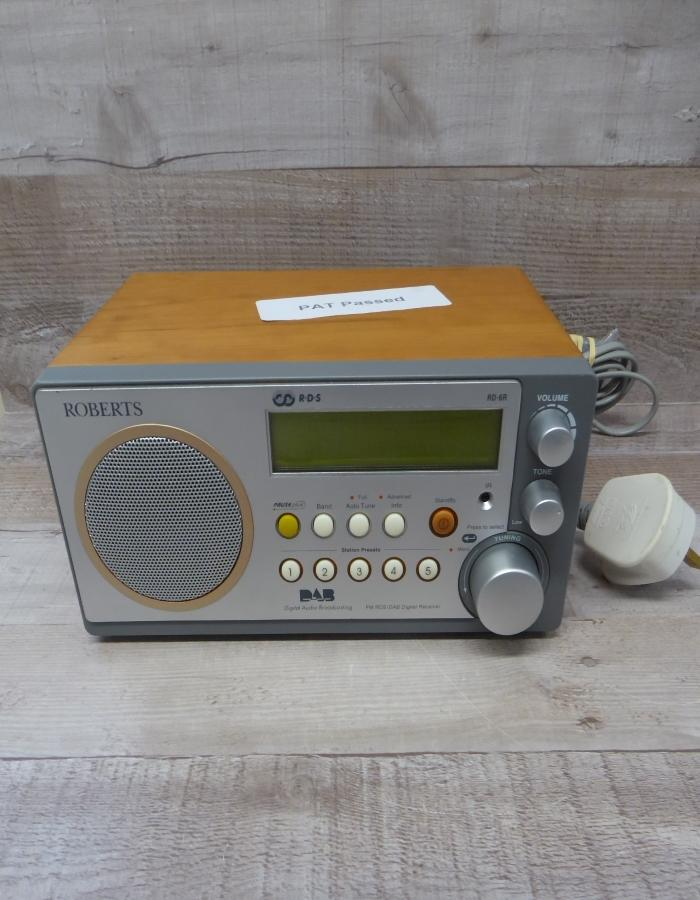ROBERTS DAB RADIO WITH REMOTE.jpg