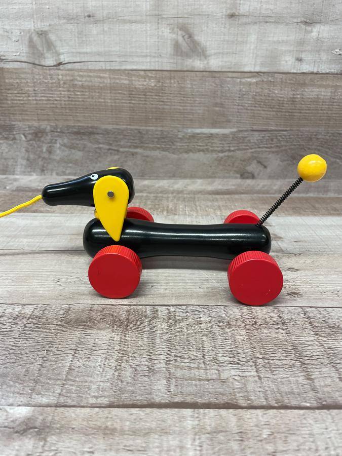 BRIO SMALL PLASTIC DASCHUND DOG PULL ALONG TOY26-03-2021 at 14.48.46 2.JPG
