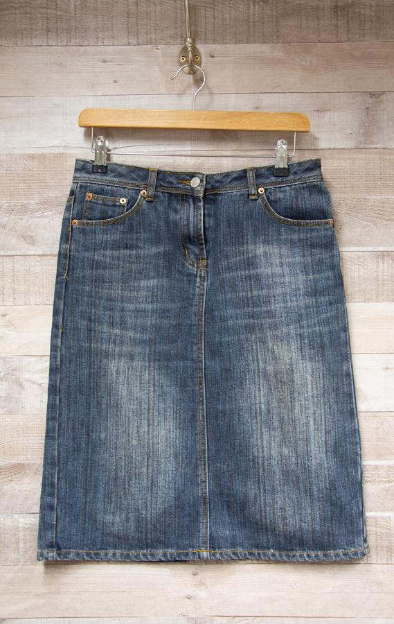 New Look Blue Denim Ladies A Line Skirt Size 1002-02-2021 at 13.46.07 2.jpg