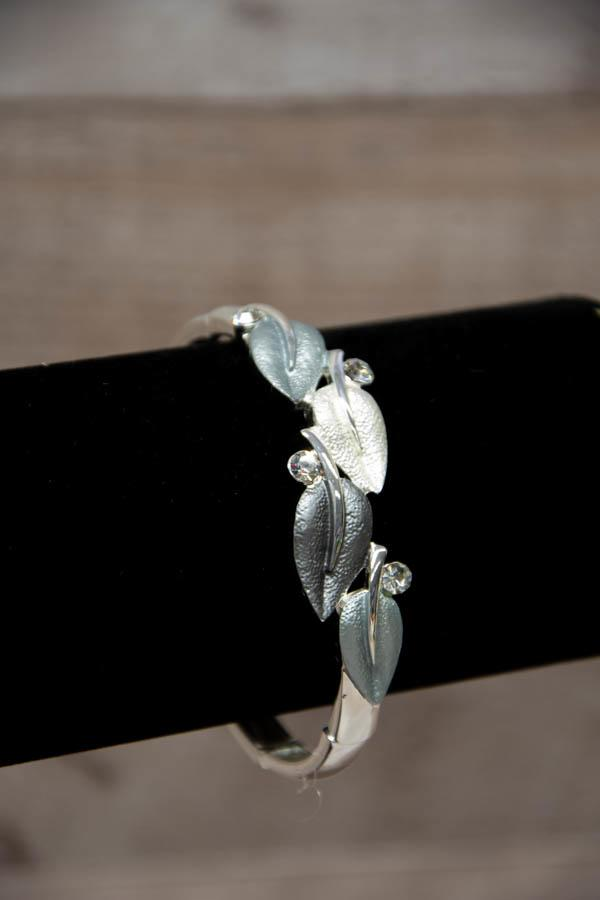 Equilibrium Silver Leaf Design Stretch Bracelet29-01-2021 at 15.14.01 3.jpg
