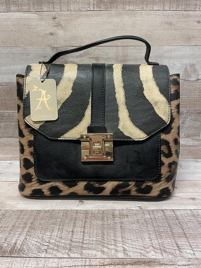 ACCESORIZE FAUX LEATHER ANIMAL PRINT HANDBAG 25-02-2021 at 20.49.33 2.JPG