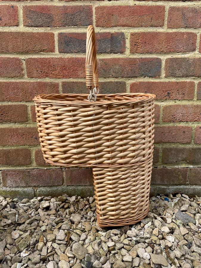 WICKER STAIR BASKET WITH FOLDING HANDLE29-03-2021 at 13.45.31.JPG