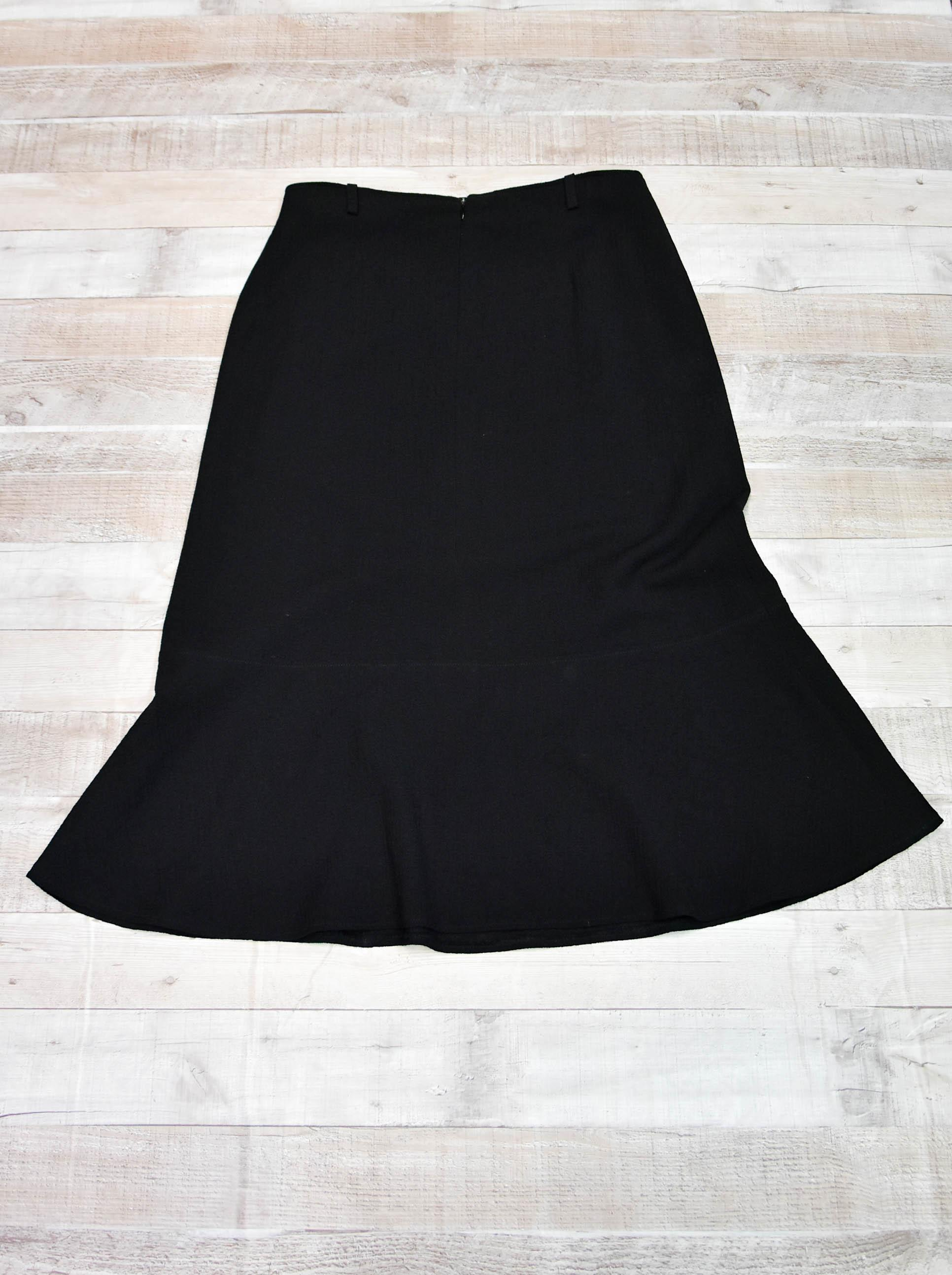 Catherine Hepfer Black Wool A Line Skirt Size 1427-01-2021 at 10.01.21 2