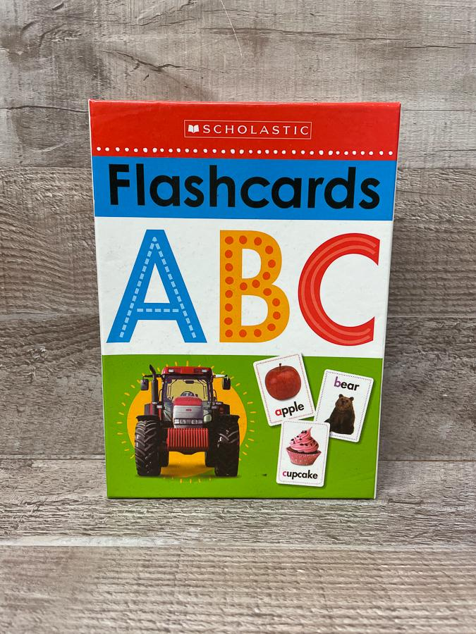 SCHOLASTIC FLASH CARDS ABC25-02-2021 at 20.41.31 2.JPG