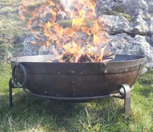80cm Fire Bowl Set Alight