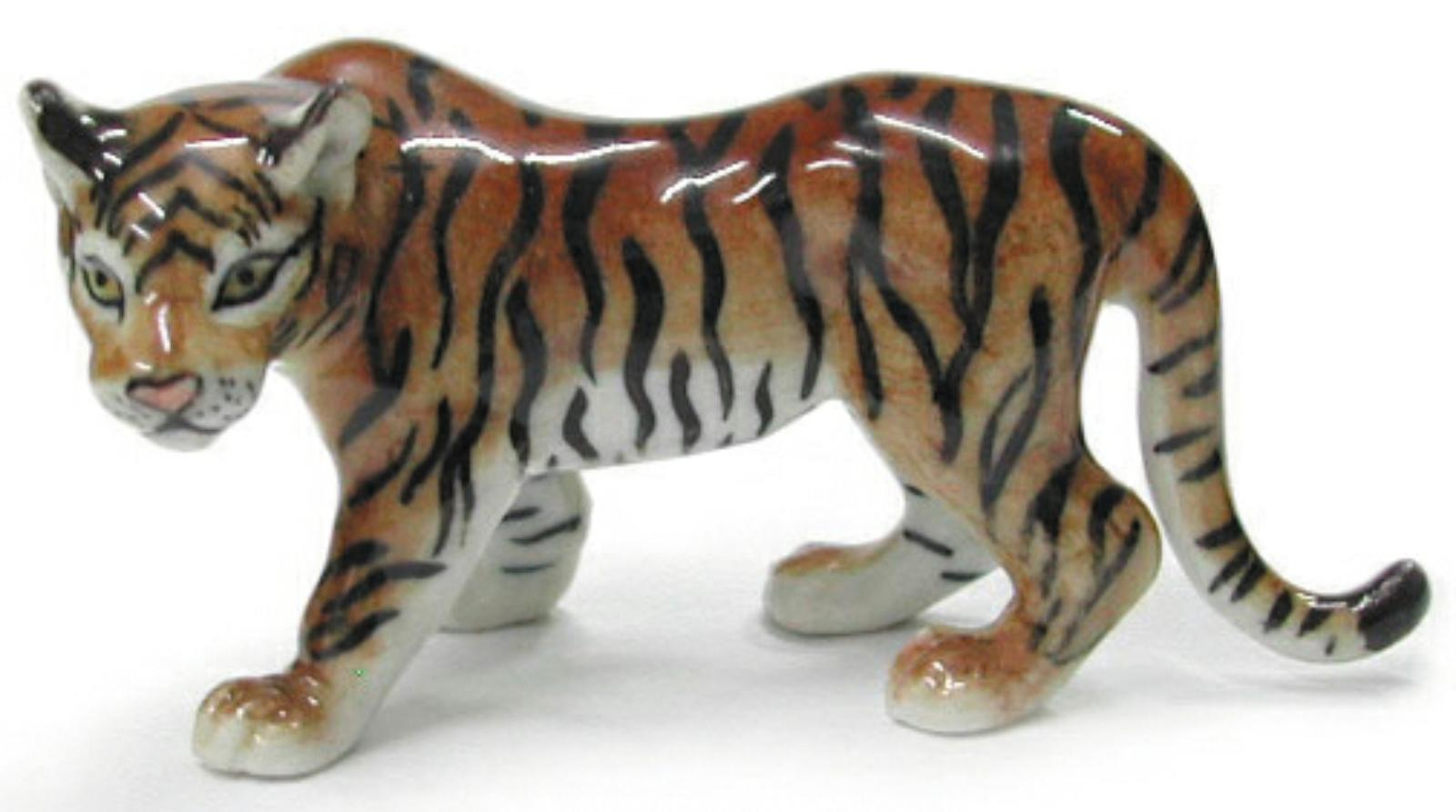 Northern Rose Miniature Porcelain Animal Figure Leopard Cub Sitting R284B