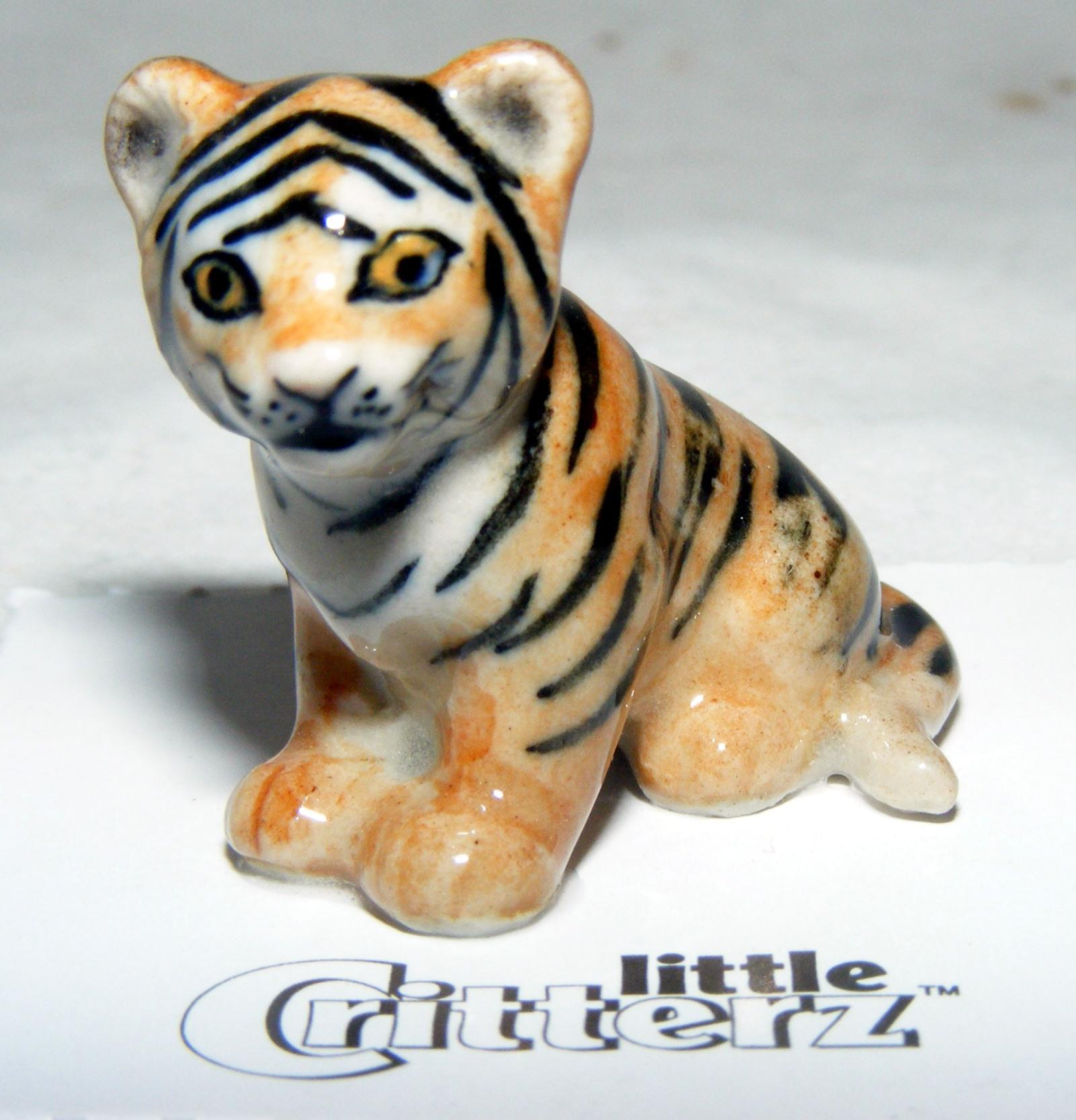 "Little Critterz Miniature Porcelain Animal Figure Gorilla /""Knuckles/"" LC413"