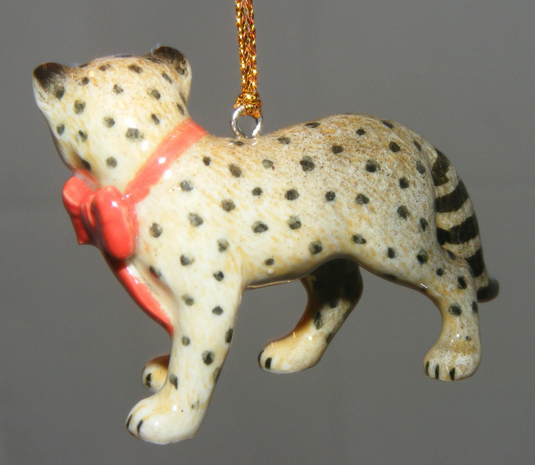 Northern Rose Porcelain Christmas Tree Decoration Cheetah With Red Bow R268