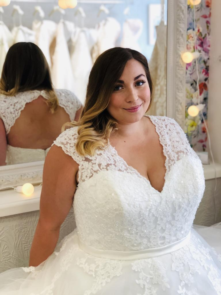 Advice For Busty Brides with Big Hips