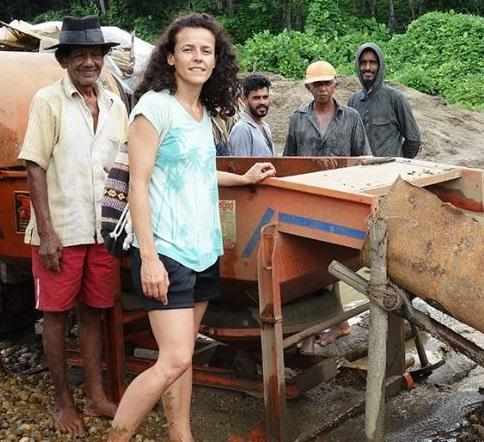Sapphire Hunting in Sri Lanka (with Arabel Lebrusan)