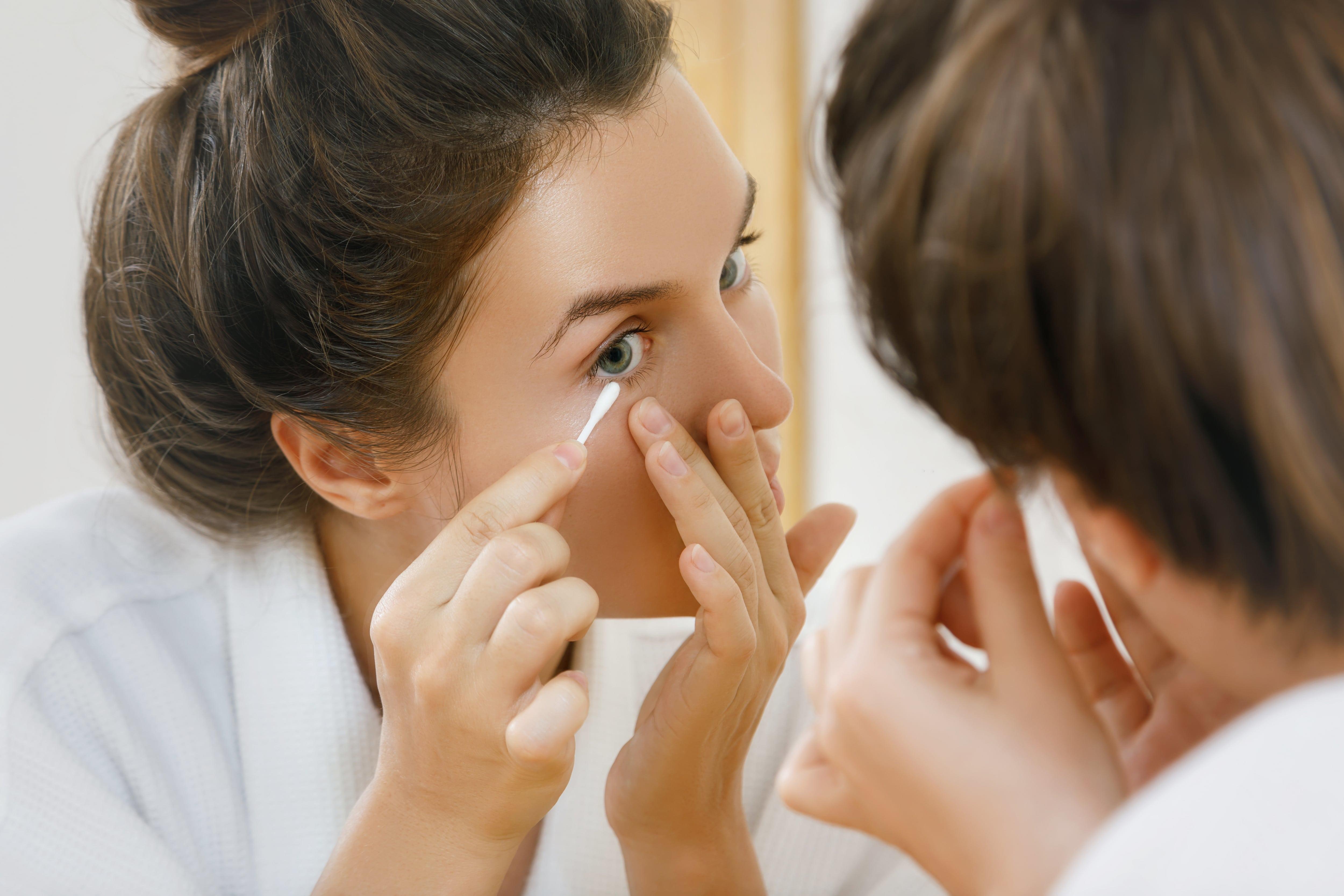 Cleaning Eye Makeup