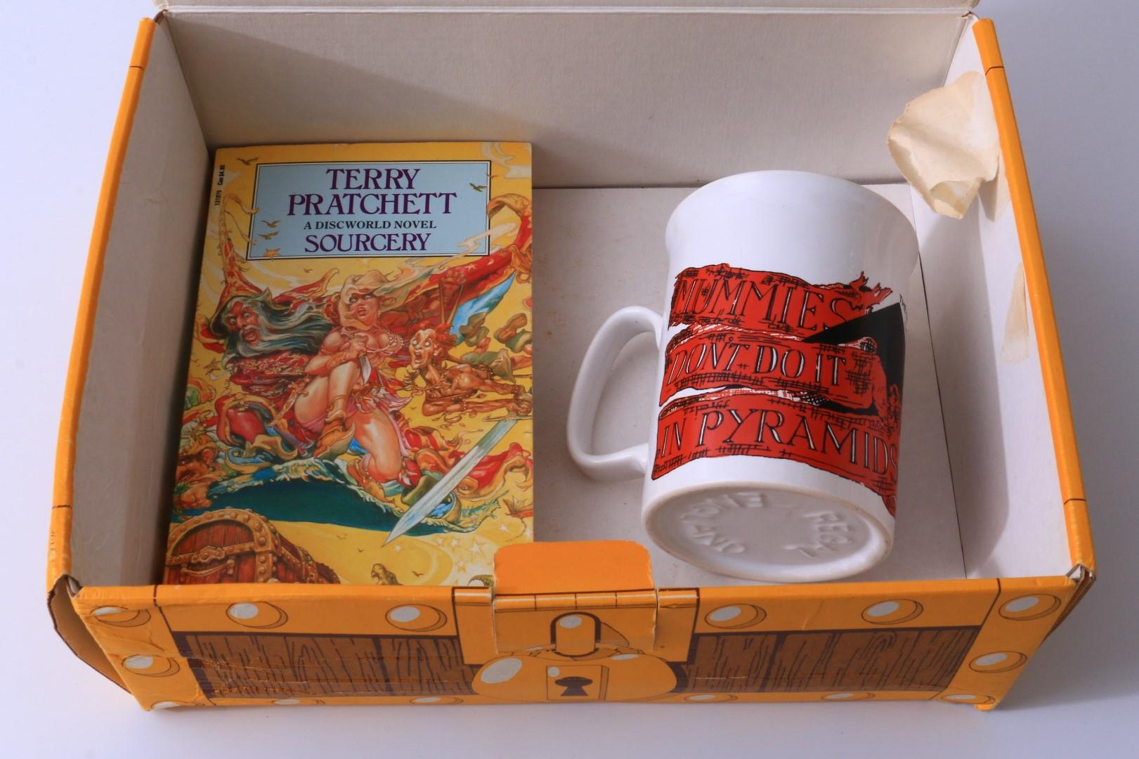Terry Pratchett - Cup and Sourcery - Corgi, 1989, First Thus.