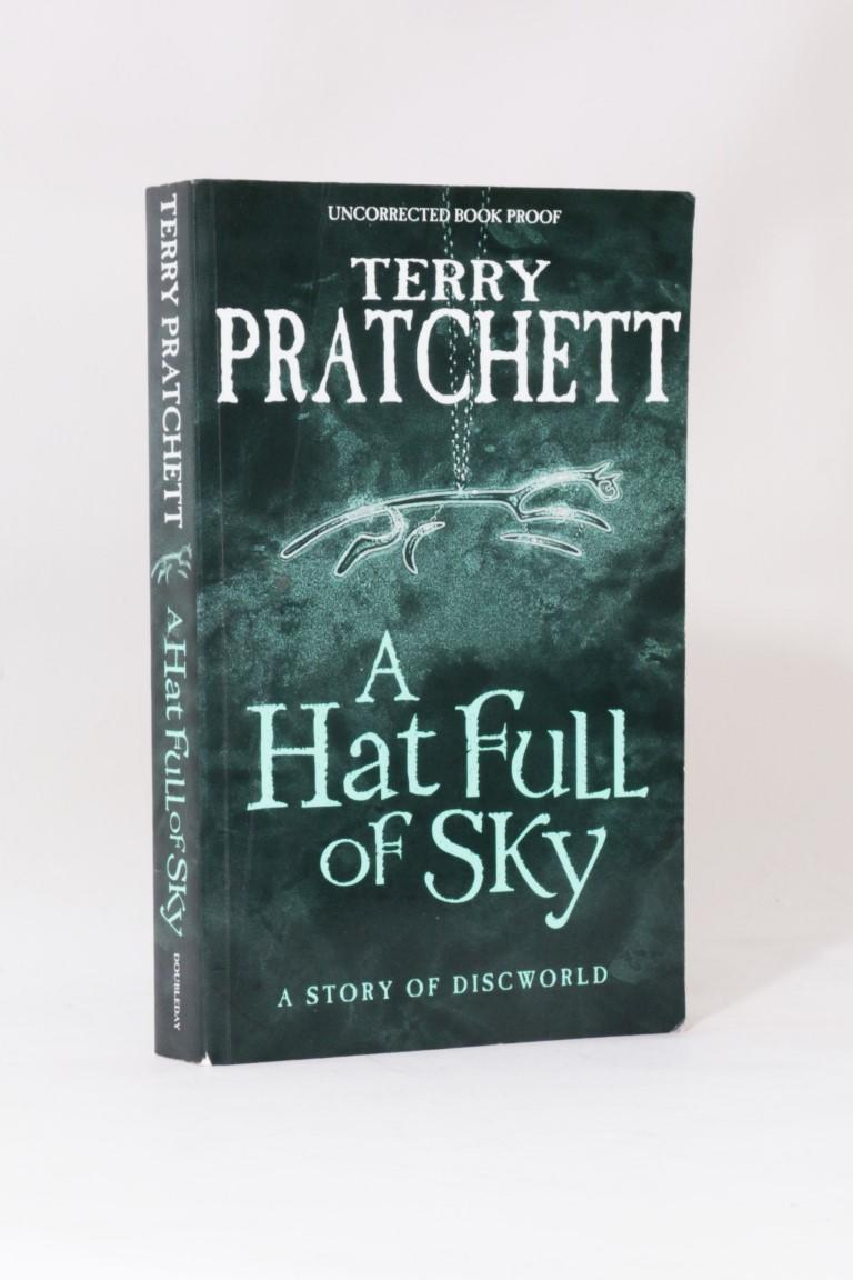Terry Pratchett - A Hat Full of Sky - Doubleday, 2004, Proof.