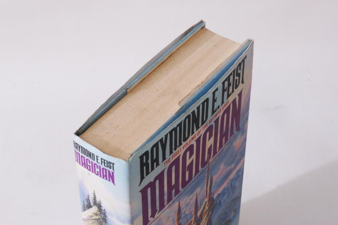 Raymond E. Feist - Magician - Grafton, 1988, Second Thus.