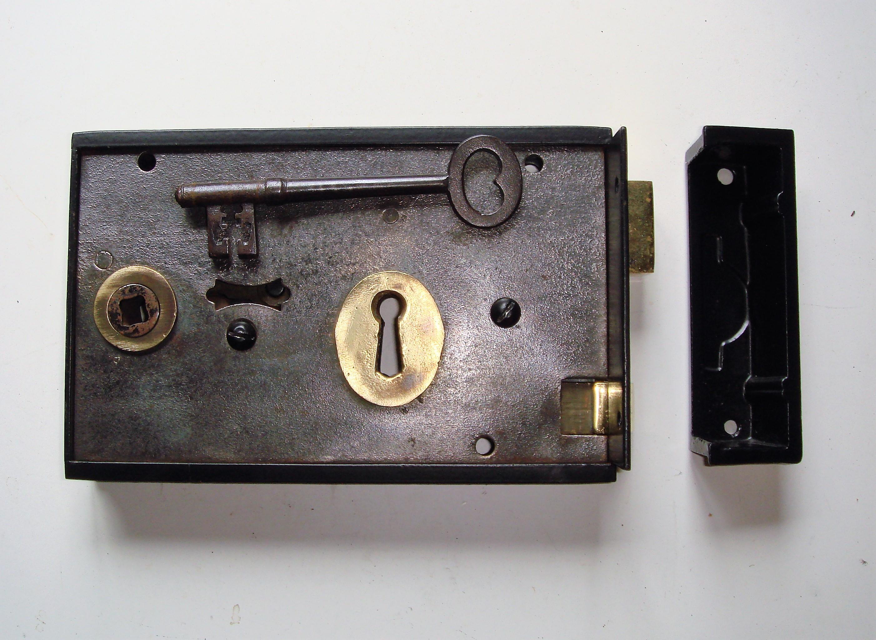 "Restored Victorian 7"" x 4.1/2"" Door Rim Latch"