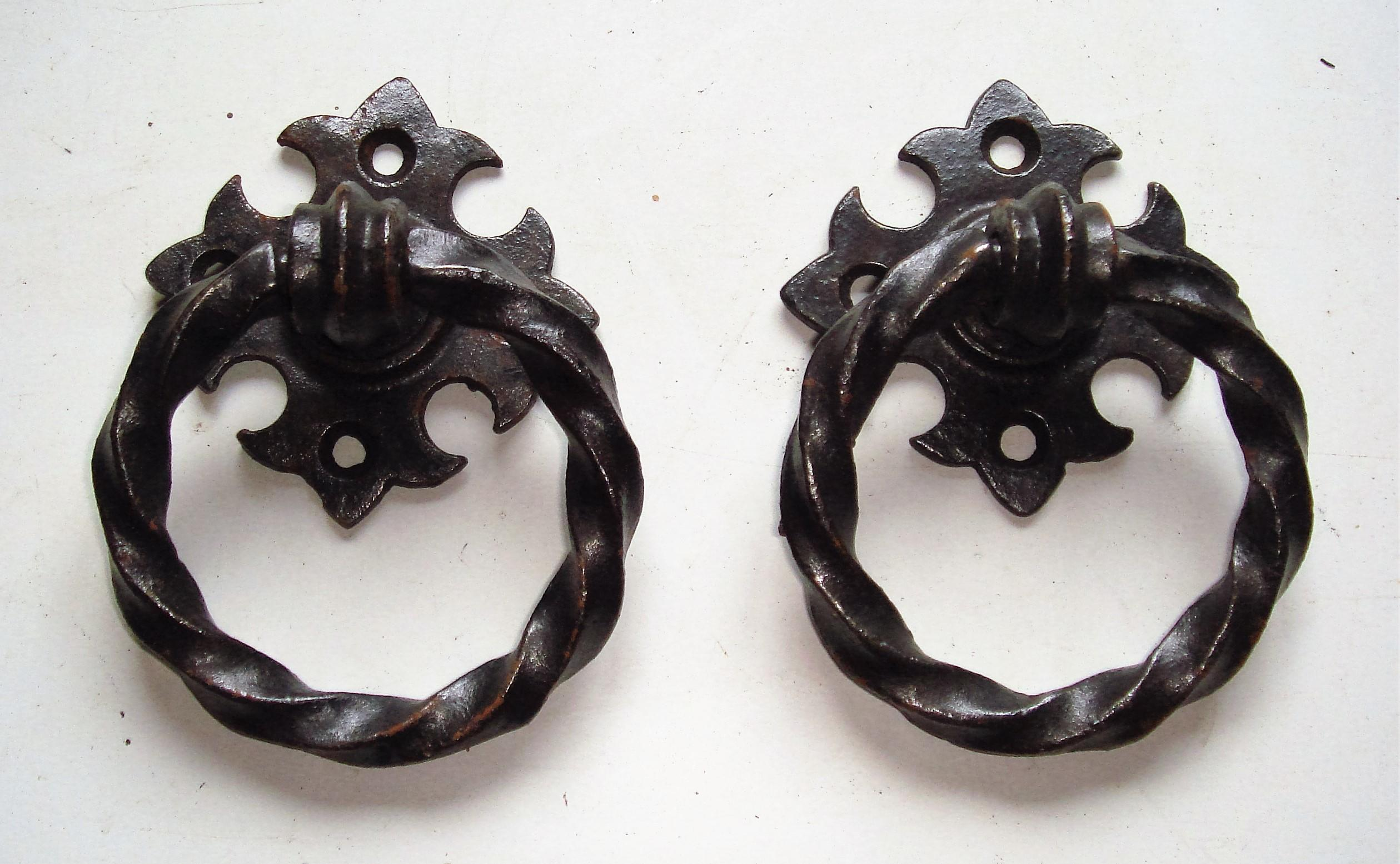 Gothic Ring Turn Handles