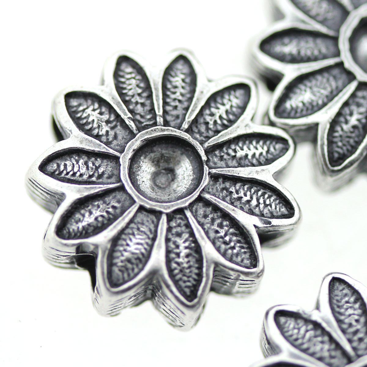 Silver Sunflower with indent for sticking stones