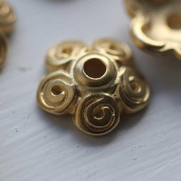 Soft Gold Flower Bead Cap