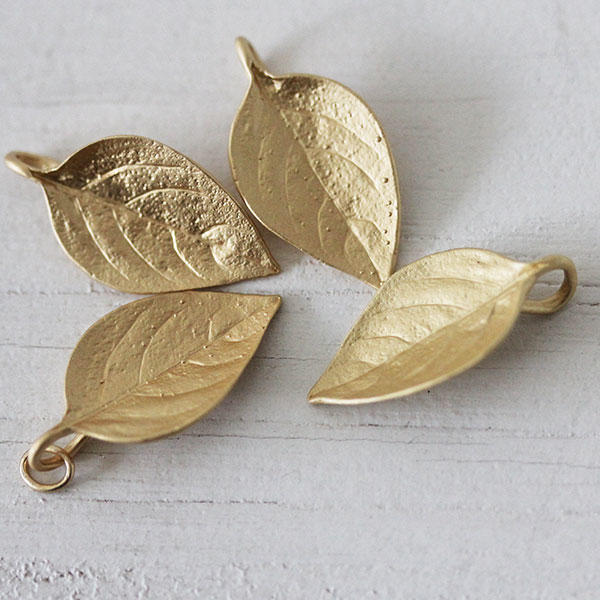 Large Leaves in Soft Gold