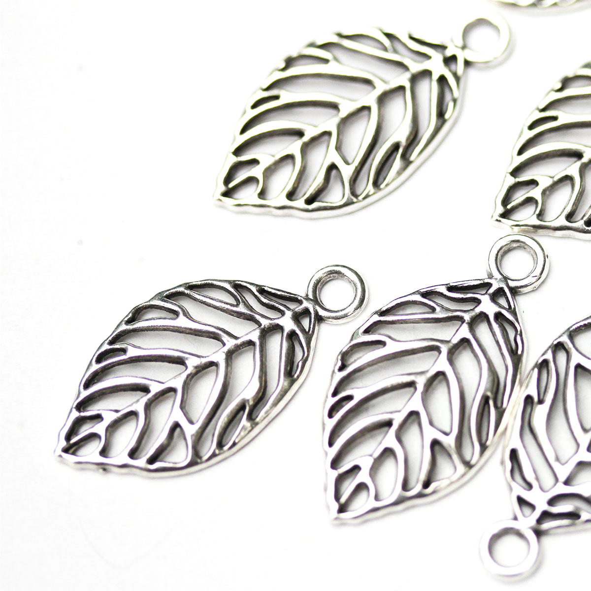 Silver Metal Leaf Charm (Smaller) Bead