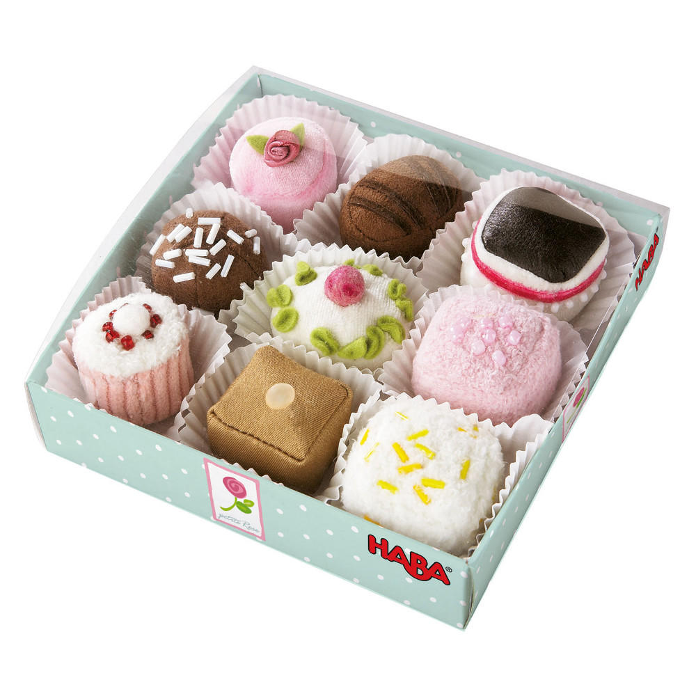 Haba set of 9 petit fours