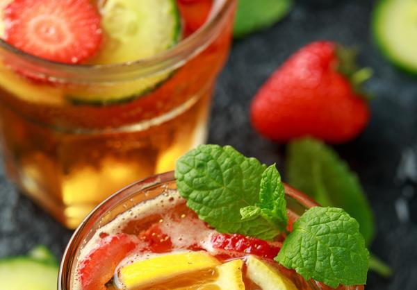 Celebrate VE day with an easy peasy Lovely Pimms!