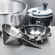 Colanders, Strainers and Salad Spinners
