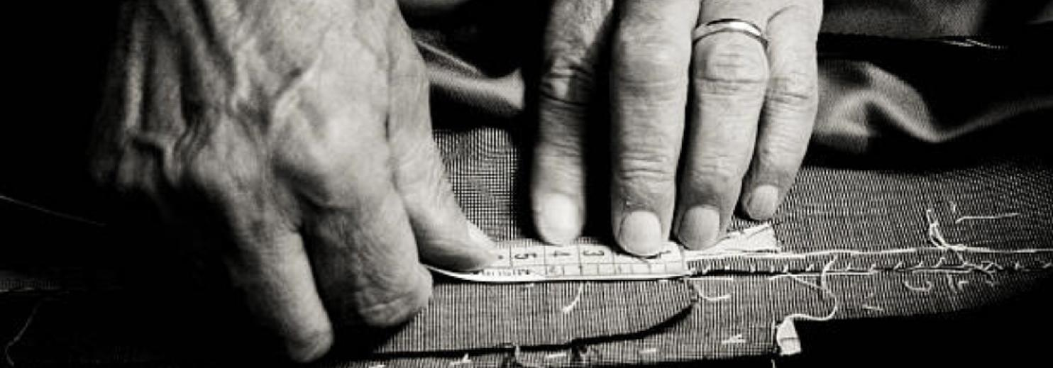 IN-STORE TAILORING SERVICE AVAILABLE