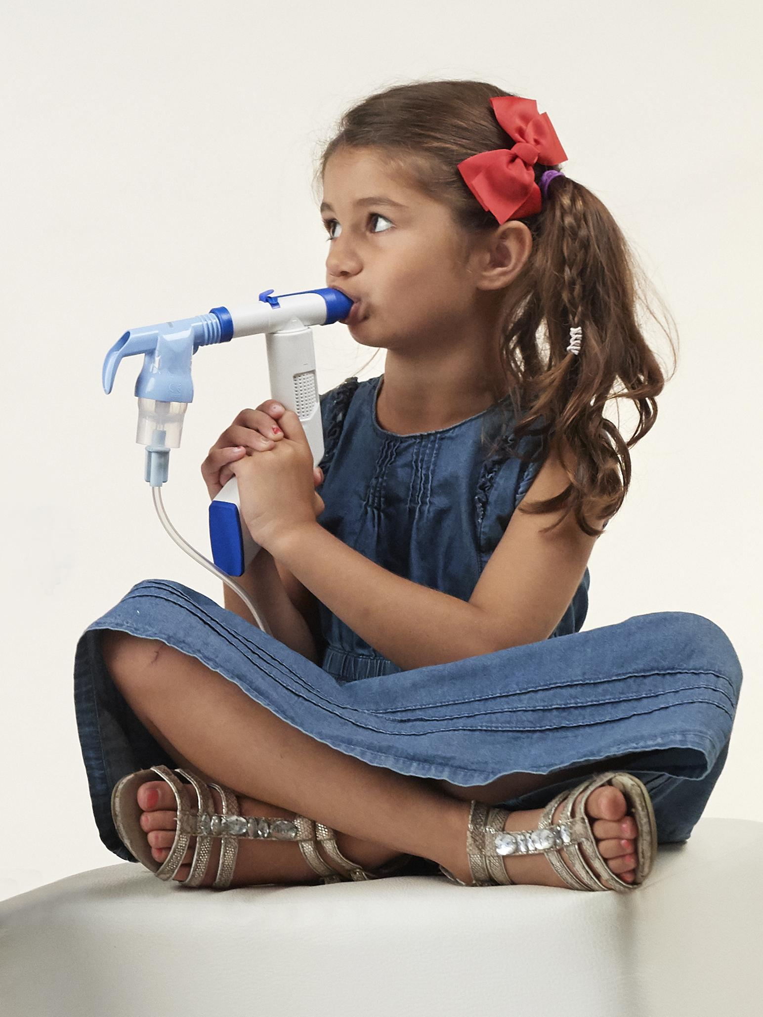 RC Cornet PLUS in use with Nebulizer