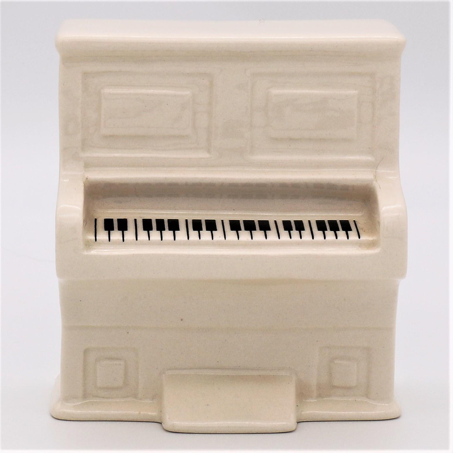 Royal Doulton DS13 Snowman's Piano