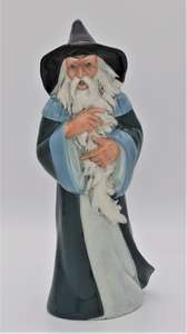 Royal Doulton Lord of The Rings Gandalf figure HN2911 front