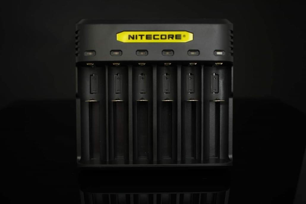 Nitecore Q6 Battery Charger 1