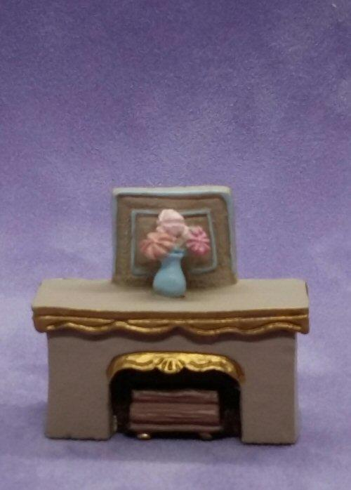 1/48th scale Resin Fireplace with flowers