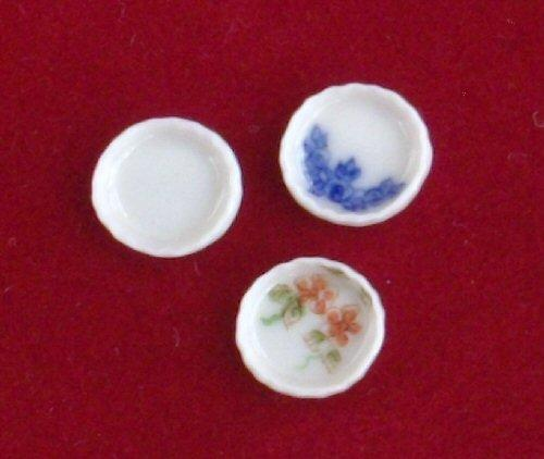 1/24th scale Small china flan dish. available in blue and white, floral and plain white.