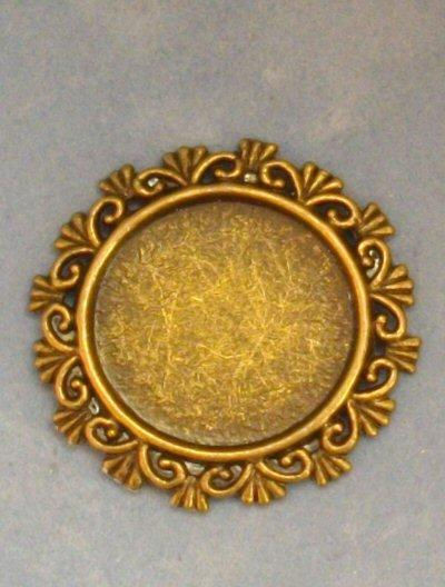 1/24th scale Ornate Round Frame