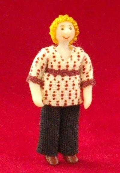 1/48th scale Dolls house Lady Doll
