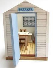 1/48th scale Wooden Beach Hut Kit door view