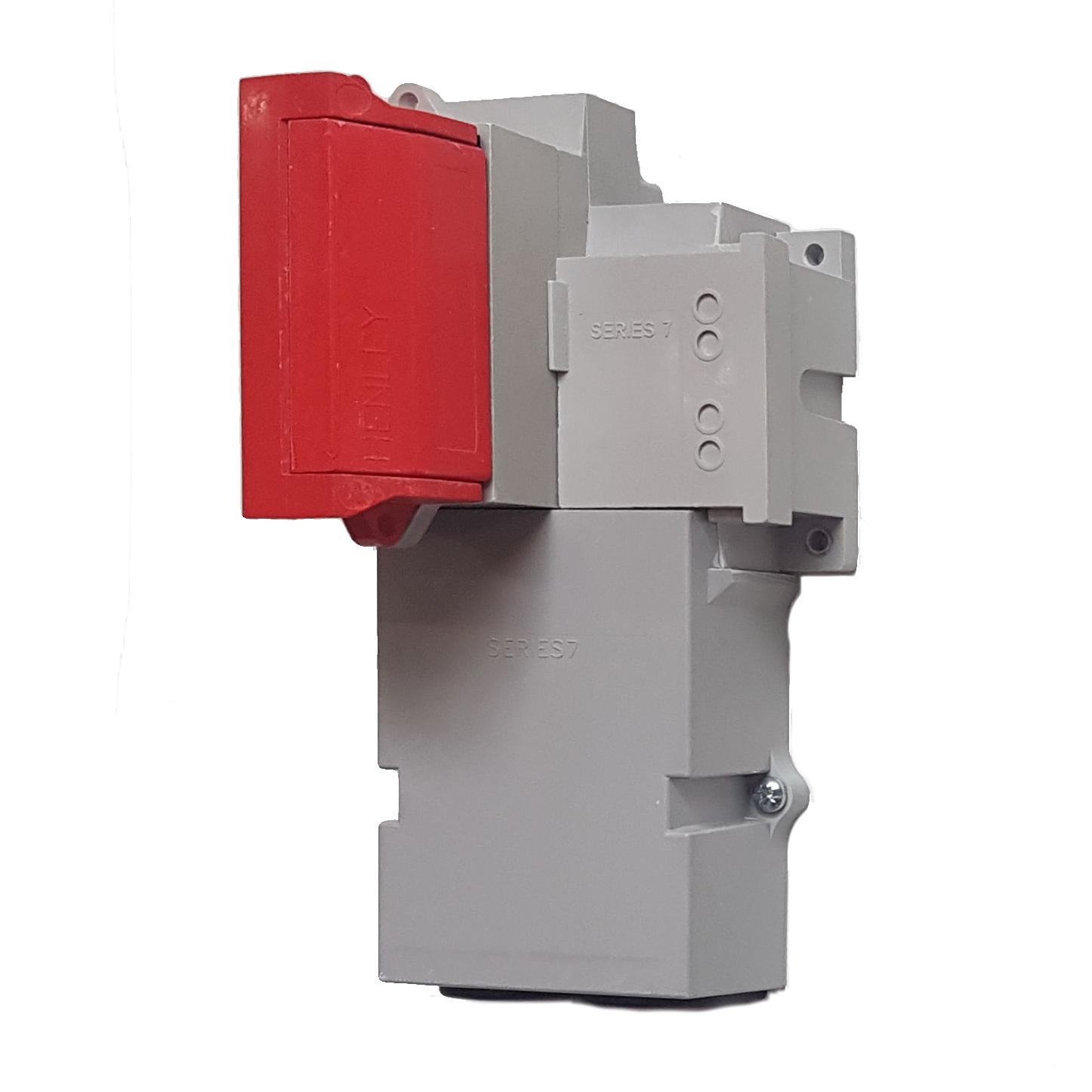WT Henley - Series 7 Single Phase House Service Cut Out (Combined Neutral & Earth) - Solid Link (Red)