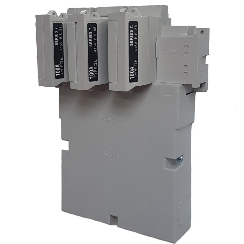 WT Henley - Series 7 Three Phase House Service Cut Out (Combined Neutral & Earth) - 100 Amp Fuse Link