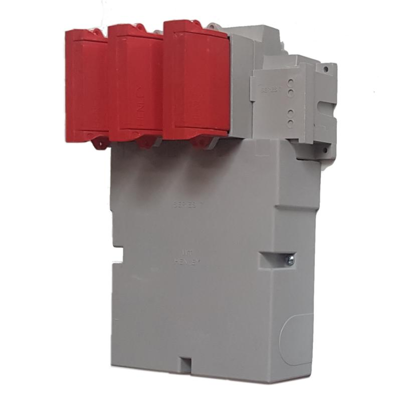 WT Henley - Series 7 Three Phase House Service Cut Out (Combined Neutral & Earth) - Solid Link (Red)