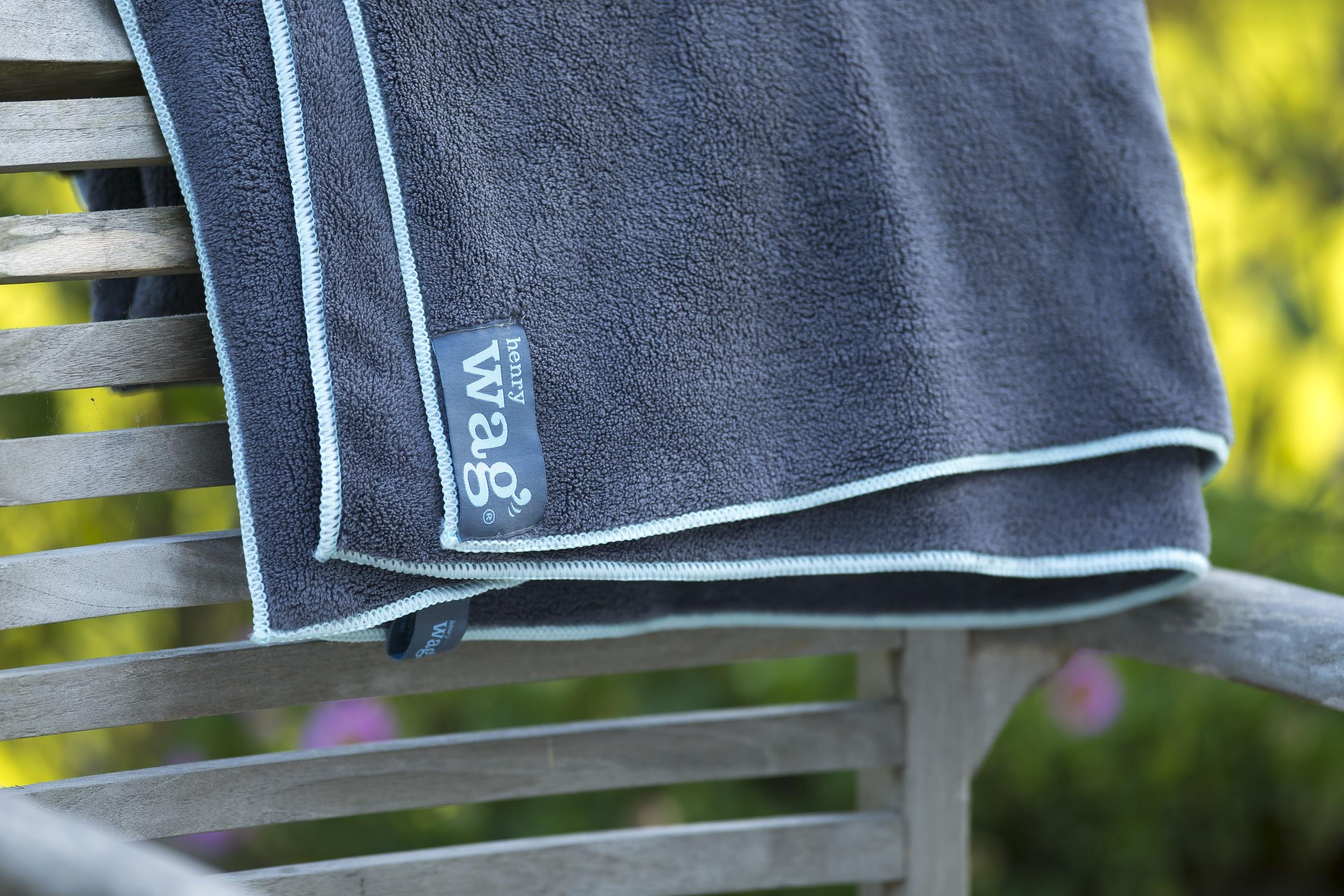 Henry Wag Microfibre towel on fence