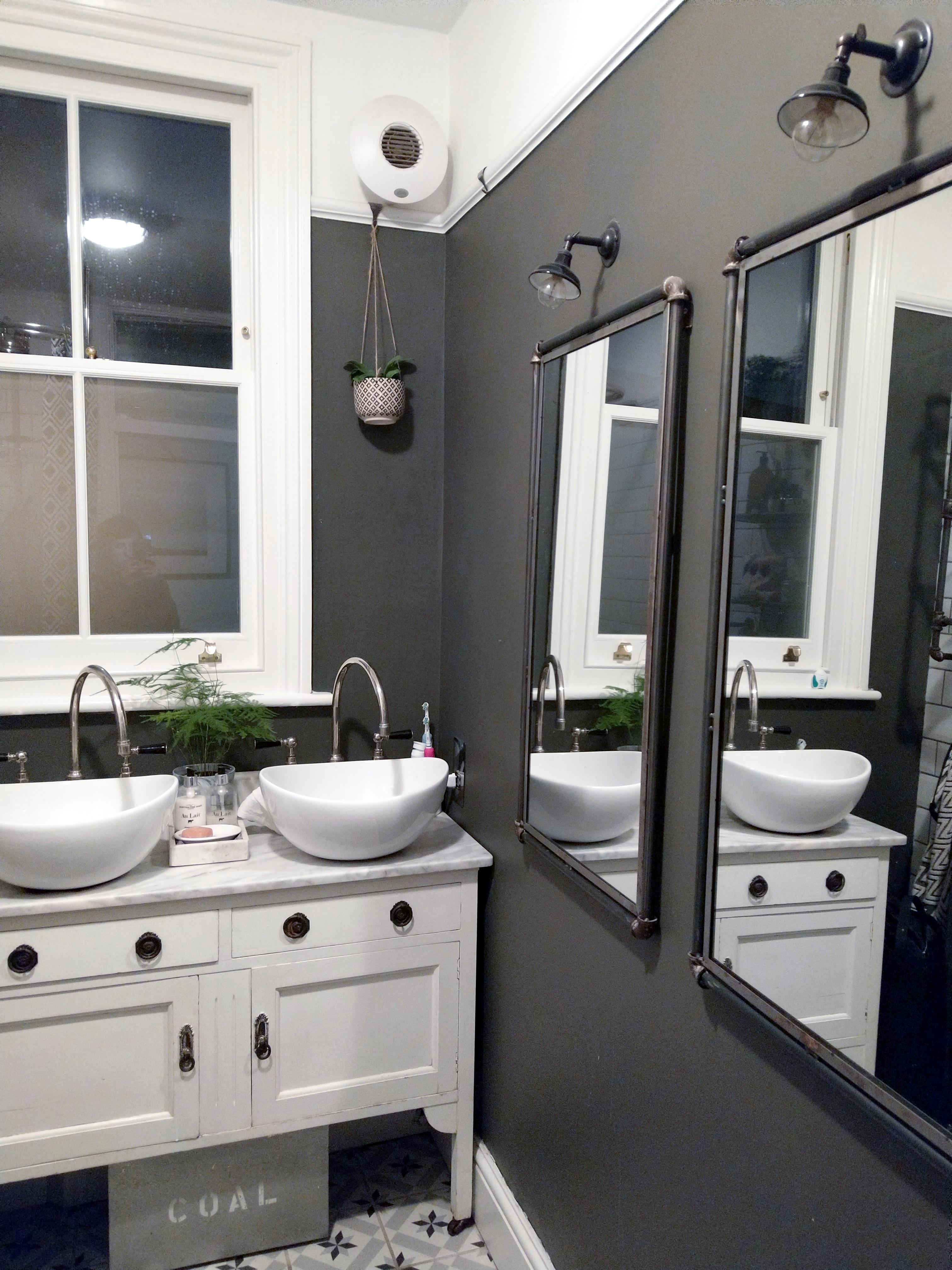 Monochrome bathroom with Dulux Bowler Hat paint