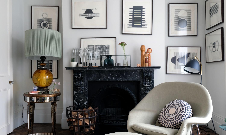 Monochrome mid-century living room in De Beauvoir Townhouse for Living Etc.